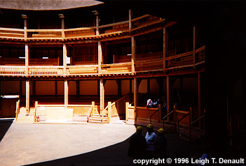 The New Globe Elizabethan Theatre and Modern Reconstruction.   & Shakespeare azcodes.com